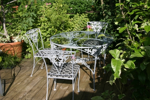 Zinc finish on metal deck furniture web